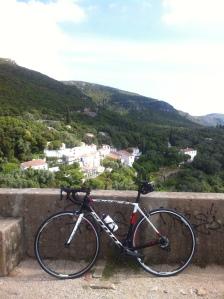 arrábida road cycling in portugal convent
